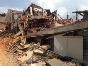 Casa derrumbada en Nepal por terremotos 2015